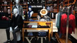 China Xiniya Fashion Follows the Fashion of FinTech