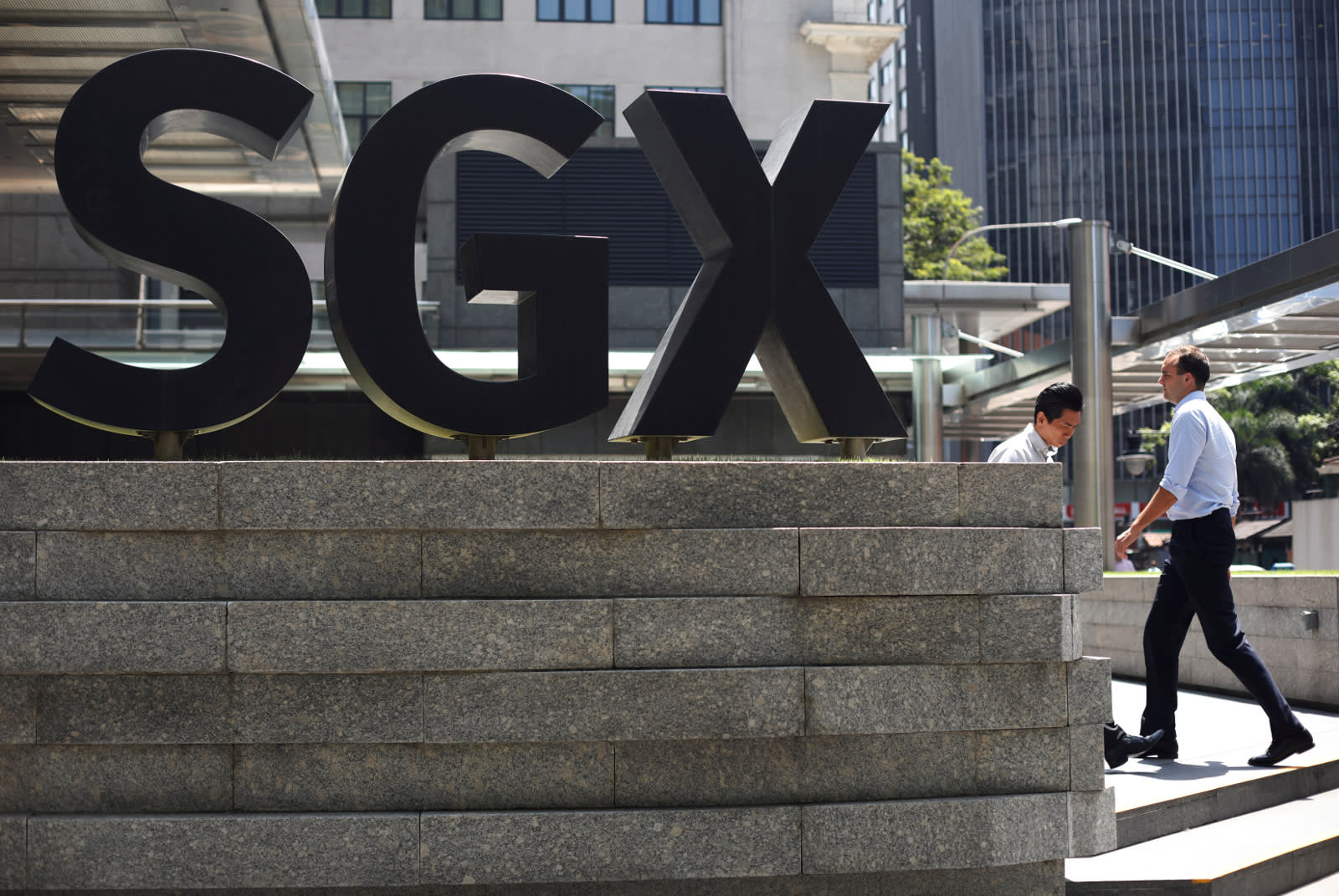 As Trade Woes Persist on Asia Stock Markets, Singapore Allows Dual-Class Shares