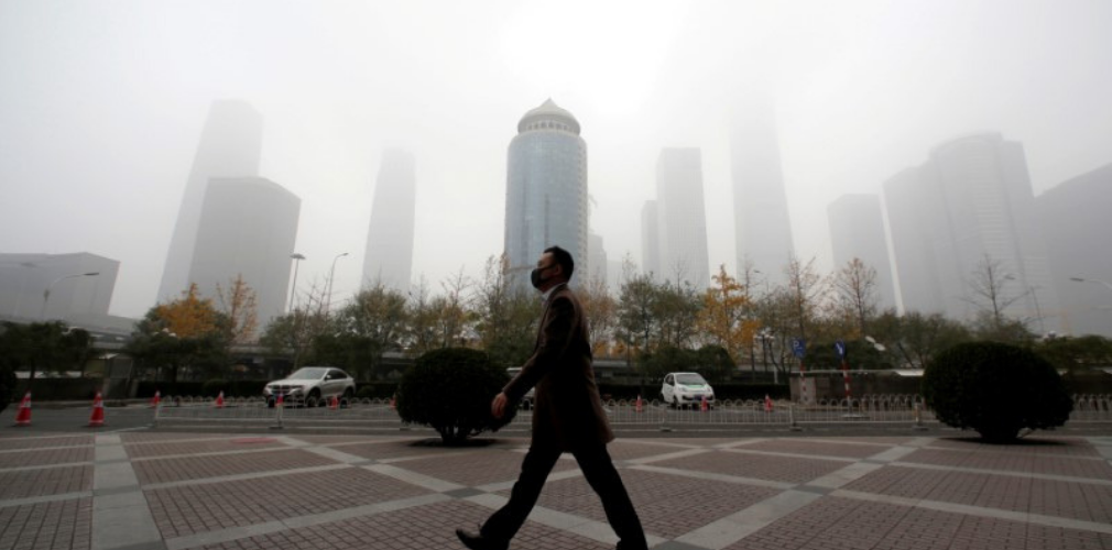 Between Smog and a Hard Place: Chinese Regions Caught Between Economic Woes and Pollution War