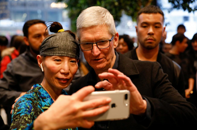 COMMENTARY: Apple's Bleaker Outlook Reflects How Both Sides Are Hurting in Trade War