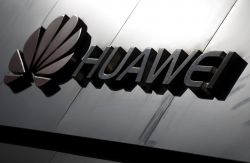 Trump Expected to Sign Order Paving Way for U.S. Telecoms Ban on Huawei