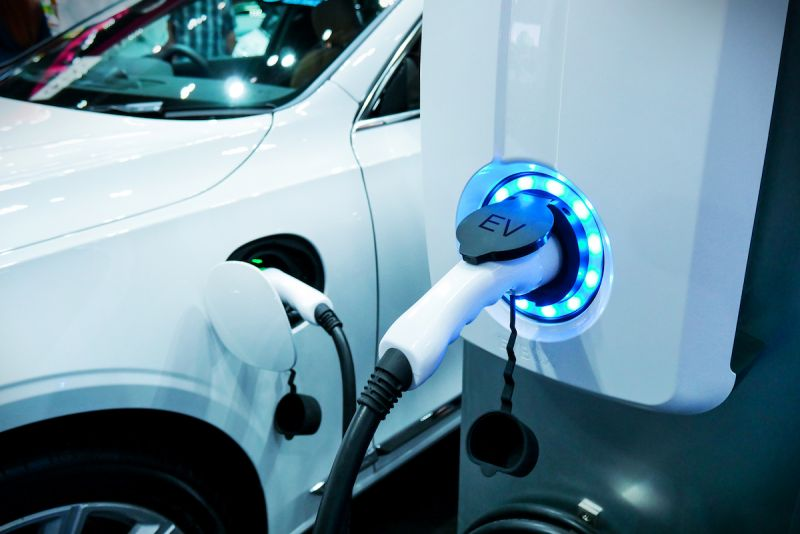 Some Auto Stocks Gain Traction After Principal Trade Deal; Others Slowed by Coronavirus
