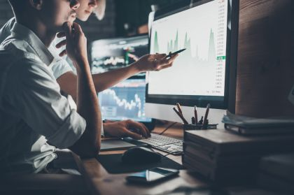 Jumei, I-Mab, Nio Among Gainers; U.S. Stocks Down, Bond Yield Falls