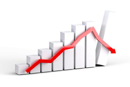 Overvalued Stocks, Freefalling U.S. Dollar to Soon Cause Epic Market Crash