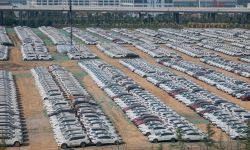 China Auto Market Rises in April While Global Carmakers Start to Reopen